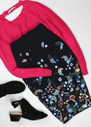 Роскошная юбка миди с вышивкой