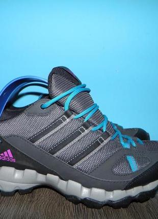 Кросівки adidas (gore-tex)