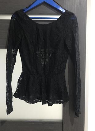 Очень нарядная нежная блуза гипюр кружево с открытой спинкой со шнуровкой h&m