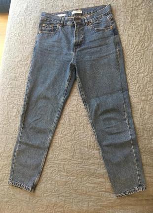Актуальные джинсы модель мом