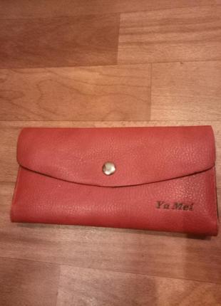 Женские красный кошелек