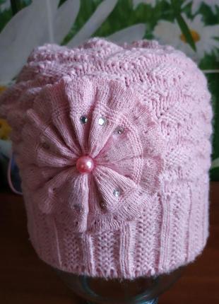 Яркая теплая шапка
