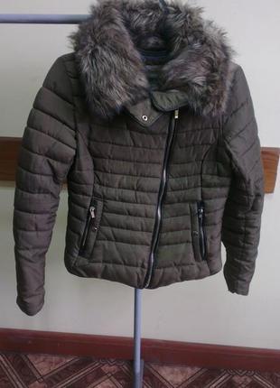 Стёганая куртка с высоким воротником bershka, m