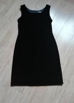Черное бархатное платье vera mont