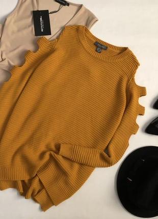 Красивейший горчичный свитер с вырезами на рукавах primark