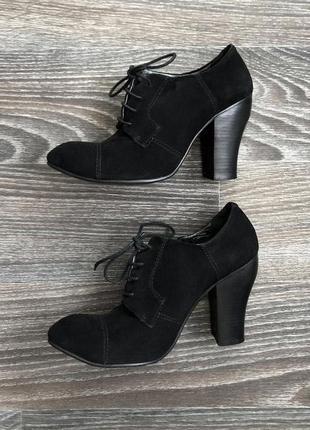 Бомба черные замшевые ботильоны ботинки туфли на каблуке натуральной замши luciano carvari