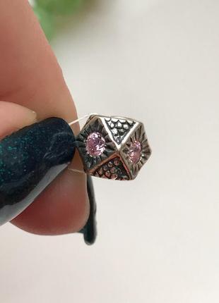 Шарм серебряный  куб розовый 3528