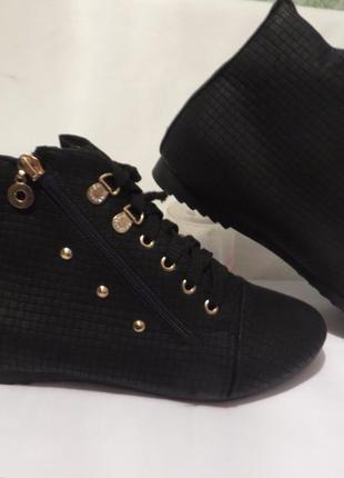Ботинки на меху разные размеры