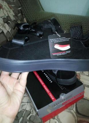 Сникерсы кроссовки skechers, натур замша, размер 40-412 фото