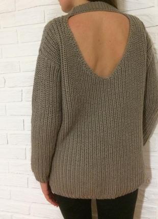 Базовый оверсайз свитер , свитер с вырезом на спине. тёплый стильный свитер, тренд 2018