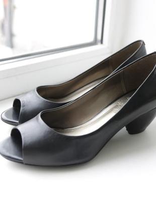 Женские туфли clarks натуральная кожа р. 37