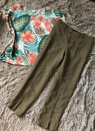 Оливковые укорочённые брюки очень стильные