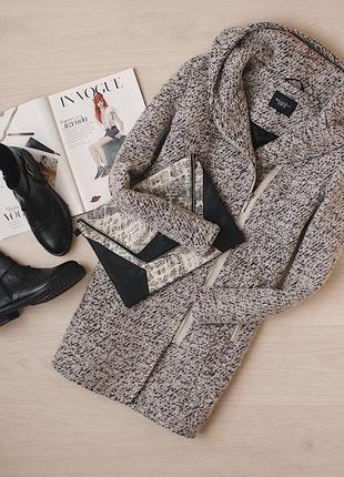 Шерстяное теплое пальто с капюшоном немецкого качественного бренда bexleys