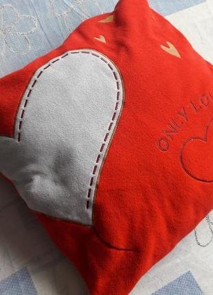 Подушка only love