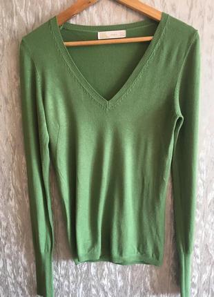 Элегантный пуловер изумрудного цвета zara