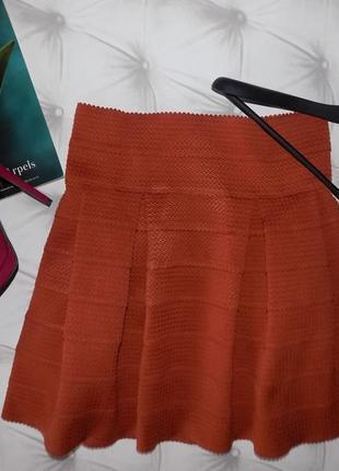 Очень стильная юбка из плотной ткани от h&m