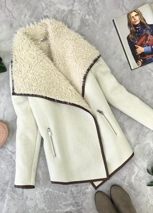 Актуальное пальто на меху с контрастной отделкой  ov1845010 george
