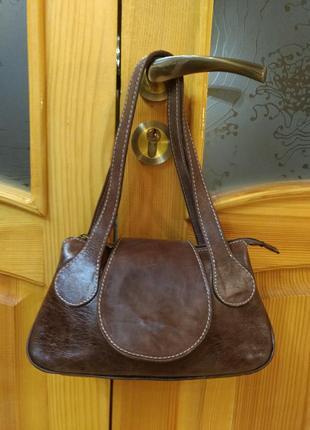 Небольшая кожаная сумка dericci