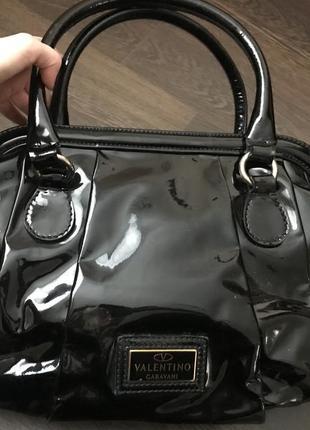 Лакированная сумка valentino оригинал