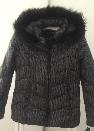 Брендовая куртка-пуховик guess