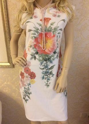 Платье футляр с цветами