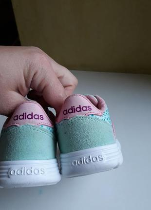 Кроссовки adidas 22 размер4