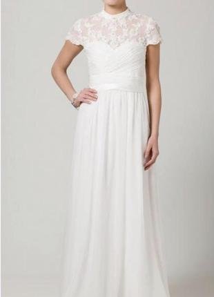 Очень красивое дизайнерское свадебное платье цвета айвери