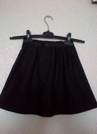 Юбка для  девочки новая, на подкладке.размер 36 плюс подарок
