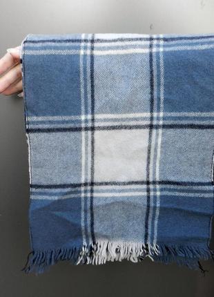 Голубой клетчатый шарф с бахромой