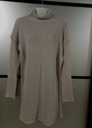 Теплое вязанное платье миди