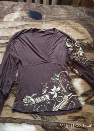 Красивая нарядная кофта блузка