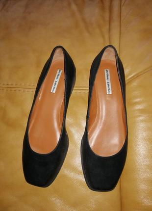 Очень стильные классные туфли на низком