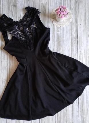 Платье черное с кружевом boohoo