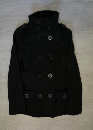 Продается стильное ,женское полушерстяное пальто от clockhouse