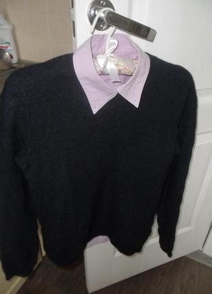 Шестяной свитер