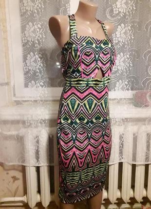 Красочное платье-миди, размер м-л