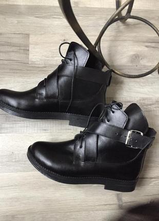 Ботинки натуральная кожа на шнурках с ремнями