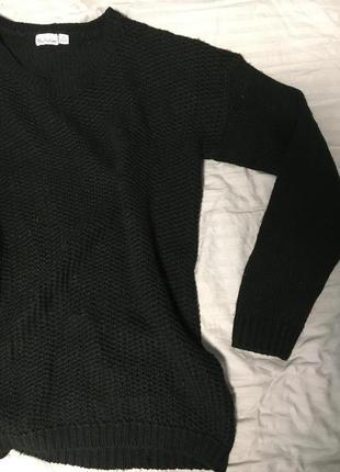 Чёрный свитер