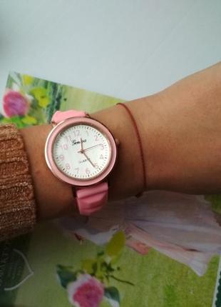 Женские силиконовые часы, на силиконовом ремешке розовые