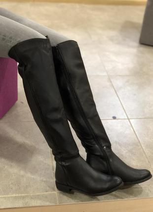 Зимние ботфорты с натуральной кожи на широкую голень ( европейка ) 37 и 40 размеры
