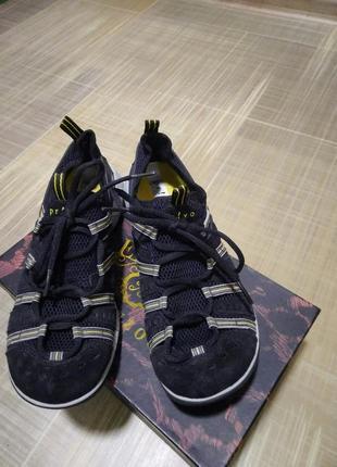 Продам кроссовки женские clarks р 38