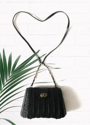 Крутая чёрная плетёная сумка сундук на длиной ручке