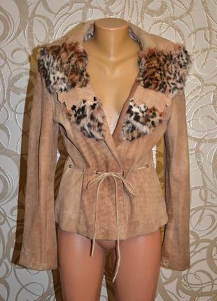 Красивая кожаная куртка с натуральных мехом