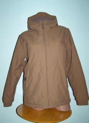 Брендовая куртка quechua