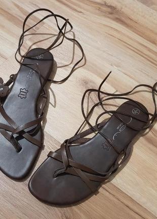 Новые кожаные босоножки, сандалии на завязках, шнуровке, гладиаторы