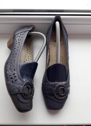 Туфли из натуральной кожи caprice