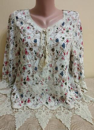 Очень красивая блуза с вышивкой и кружевом