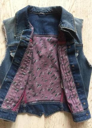Guess женская джинсовая жилетка