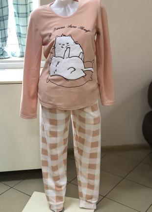 Очень мягенткая и нежная флисовая пижамка,размер-s