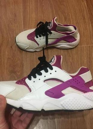 Круті кросівки от nike air huarache